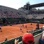 Photo taken at Court Suzanne Lenglen by Pascale U. on 6/6/2013