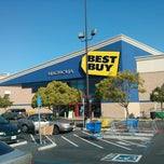 Photo taken at Best Buy by German V. on 4/27/2013