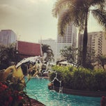 Photo taken at Windsor Suites Hotel Bangkok by Elaine Ö. on 2/15/2013