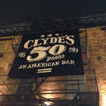 Photo taken at Clyde's of Georgetown by Ajit V. on 8/13/2013