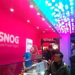 Photo taken at Snog Pure Frozen Yogurt by Foranna J. on 11/18/2012