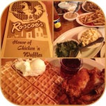 Photo taken at Roscoe's House of Chicken and Waffles by Alexandra ♡. on 11/21/2012