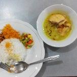 Photo taken at Rumah Makan Bali 2 by Leonardo O. on 9/18/2014