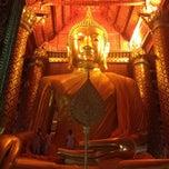 Photo taken at วัดพนัญเชิงวรวิหาร (Wat Phananchoeng) by Bunny T. on 3/3/2013