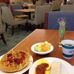 Photo taken at Homewood Suites Hartford South-Glastonbury by Seung Min 'Mel' Y. on 4/14/2014