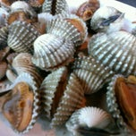Photo taken at เจ๊เลี๊ยบซีฟู้ด (Je Liep Seafood) by I§§¥™ A. on 3/11/2013