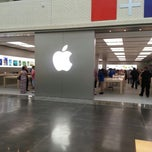 Photo taken at Apple Store, NorthPark Center by louise t. on 6/22/2013