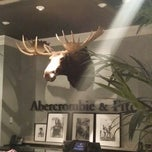 Photo taken at Abercrombie & Fitch by Jerry L. on 4/7/2014