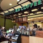 Photo taken at Starbucks by Zavana K. on 9/20/2014