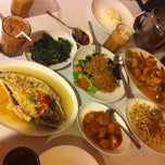 Photo taken at D'Cost Seafood by Yanabela E. on 7/24/2014
