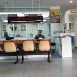 Photo taken at สถานีตำรวจนครบาลพญาไท (Phayathai Police Station) by Gurymonkon R. on 10/11/2012