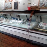 Photo taken at Flying Fish Seafood Market by Jade G. on 5/18/2014