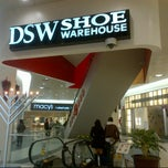 Photo taken at DSW Designer Shoe Warehouse by Cesar, Jr. C. on 12/13/2012