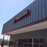 Photo taken at Pizza Hut by Kimberly S. on 4/21/2013