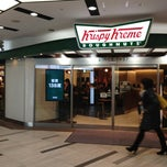 Photo taken at Krispy Kreme Doughnuts 渋谷シネタワー店 by takeponchi on 2/26/2013