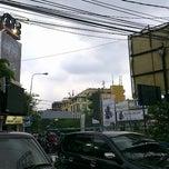 Photo taken at Jalan Haji Nawi by Ibnu N. on 2/13/2013