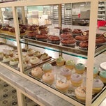 Photo taken at Magnolia Bakery by Niena on 3/5/2013