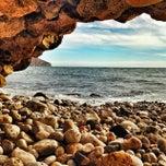 Photo taken at Playa de Mascarat Sur / La Barreta by Domingo R. on 2/9/2014
