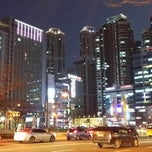 Photo taken at 센텀시티역 (Centum City Stn.) by 서만조 010-5543-2277 소. on 3/9/2015
