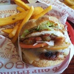 Photo taken at Red Robin Gourmet Burgers by Curtis S. on 10/21/2012