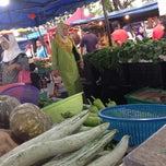 Photo taken at Pasar Malam Bandar Baru Bangi by Endi G. on 10/23/2012
