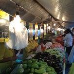 Photo taken at Feira Modelo da Vasco by Romulo on 10/13/2012