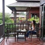 Photo taken at ThaiLife Homestay Resort & Spa by Hajo v. on 9/29/2013