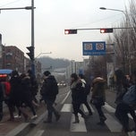 Photo taken at 이화여자대학교 후문 (Ewha Women's University Back Gate) by Seung-taeck L. on 1/28/2013