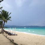 Photo taken at White Beach, Boracay Island by Roussel on 10/1/2012