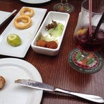 Photo taken at Restaurante Bandera by Micha K. on 4/3/2014