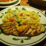Photo taken at Olive Garden by Eustace F. on 12/17/2012