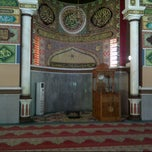 Photo taken at Masjid Agung Al-Makmur Lampriet by Mul S. on 10/4/2012