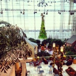 Photo taken at Gaylord National Resort & Convention Center by Lora N. on 1/2/2013