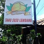 Photo taken at Tahu Susu Lembang - Sahara Food Market by Adhi Dharma C. on 3/11/2013