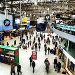 Photo taken at London Waterloo Railway Station (WAT) by Euy Suk K. on 10/11/2012