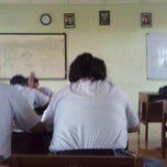 Photo taken at SMKN 8 Jakarta by Wahyu A. on 4/2/2013