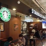 Photo taken at Starbucks Coffee アトレ秋葉原1店 by tak N. on 9/30/2012