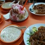 Photo taken at Restoran Rojak & Cendol by mel on 5/3/2015