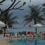 Photo taken at Chaba Samui Resort by Виктория on 3/5/2013