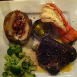 Photo taken at Ruby Tuesday by Quandale T. on 10/17/2012