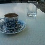 Das Foto wurde bei Cevizlibağ Cafe & Fast Food von Nasıf Fatih K. am 11/14/2012 aufgenommen