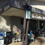 Photo taken at The Coffee Bean & Tea Leaf® by Gabriel C. on 1/30/2013
