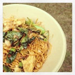 Photo taken at Gai Gai Thai @ Kingfield Farmers Market by Maja I. on 8/4/2013