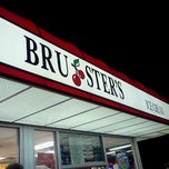 Photo taken at Bruster's Real Ice Cream by Chase L. on 8/19/2011
