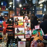 Photo taken at Cracker Barrel Old Country Store by kiandre s. on 10/21/2012