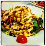 Photo taken at Green Salads by Esra B. on 3/14/2013