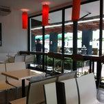Photo taken at Café DoiTung (คาเฟ่ ดอยตุง) by viewphukhao pinong on 9/18/2012