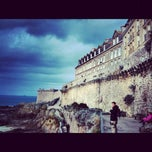 Photo taken at Intra-Muros – Centre de Saint-Malo by Maria A. on 11/6/2012