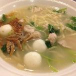 Photo taken at Restoran Yong Chun Ramen 永春拉面 by Fyn S. on 2/21/2014