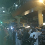 Photo taken at Gora Gandhi Juice Corner and Veg World - Pure Veg by Shantanu D. on 4/3/2013